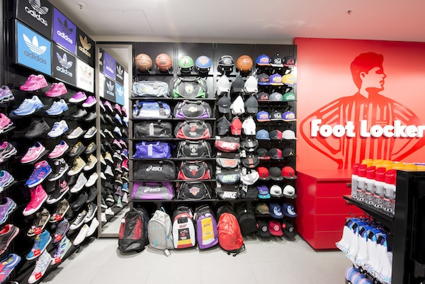 Foot Lockerが$70以上の購入で15%オフ + 5%キャッシュバック!!!